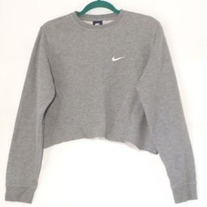 NIKE CROPPED CREW NECK SWEATSHIRT